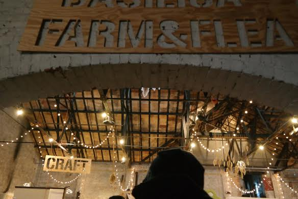 farmandflea sign