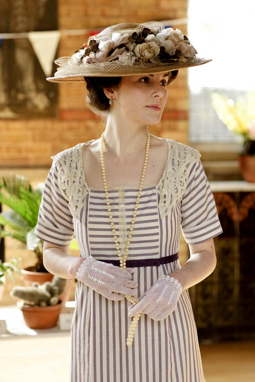 lady mary hat.jpg