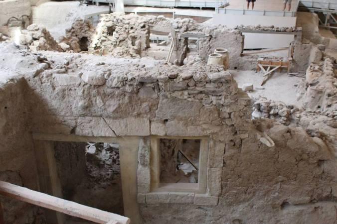 akrotiri ruins 3
