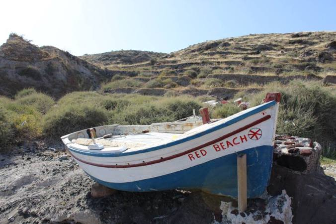 red beach boat