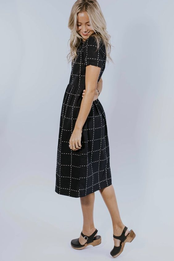 grid dress.jpg